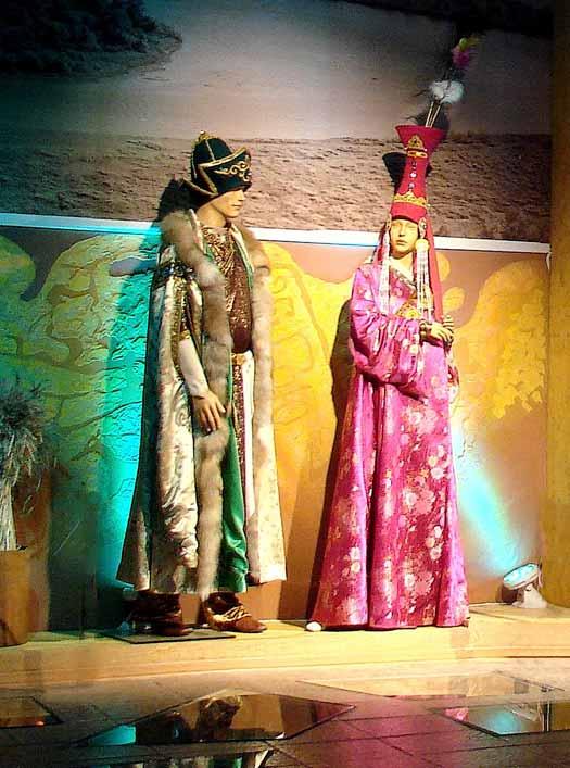 Краеведческий комлекс. музей истории города. фрагмент экспозиции
